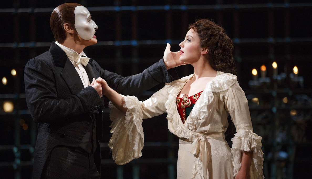 "Hugh Panaro and Mary Michael Patterson in the 25th anniversary performance of ""The Phantom of the Opera."""