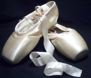 1200px-Pointe_shoes copy