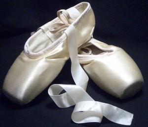 1200px-Pointe_shoes copy