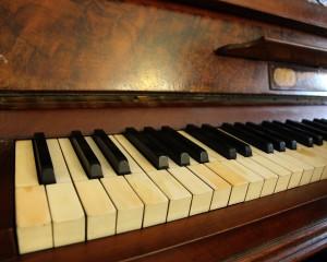 music-1233671_1280 piano