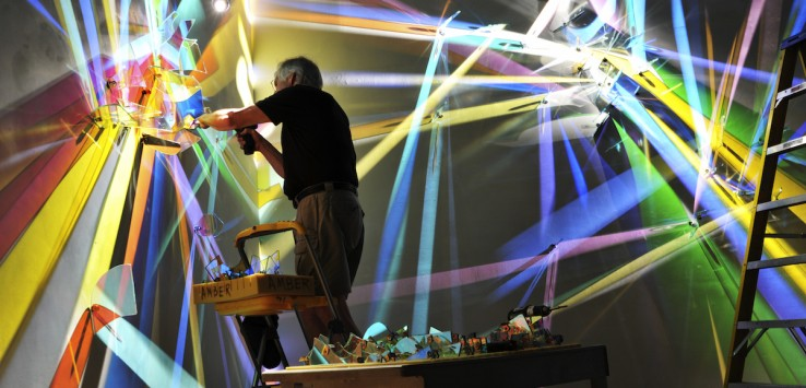 Stephen Knapp creating light sculpture