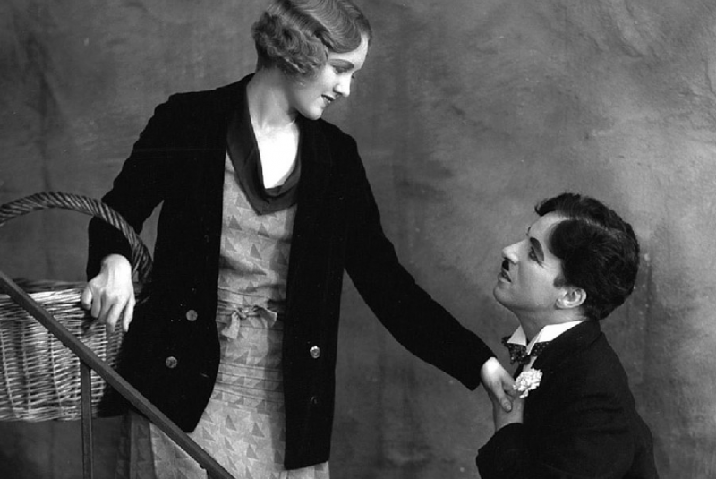 Virginia Cherrill and Charlie Chaplin in CITY LIGHTS.